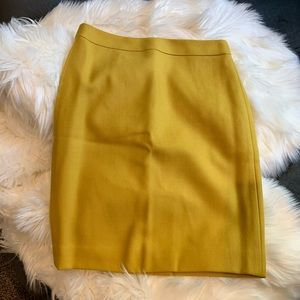 NWT J. Crew mustard pencil skirt size 2 Petite 2p